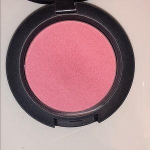 MAC Cosmetics Makeup - MAC blush in Stay Pretty